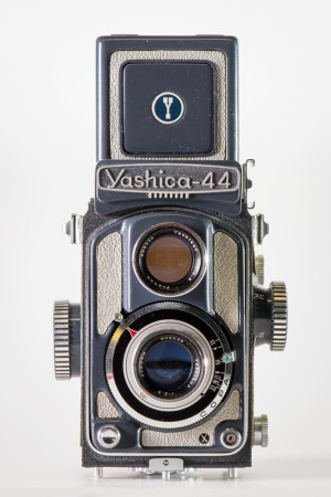 Yashica 44 A Camera Front